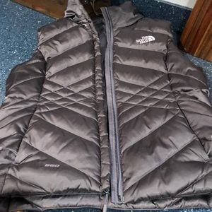 EUC women's small 550 north face vest